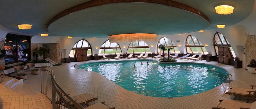 italy_cortina_d'ampezzo_grand_hotel_miramonti_majestic_pool.jpg
